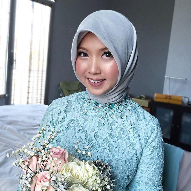 Hijab Engagement / Muslim Brides / Engagement Makeup on Instagram ☁ @terosha ☁