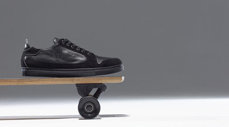 Baskets - Heritage-Paris - Nolita Basse - Midnight All Black Photo: Adé Adjou  #skateboardshoes #heritageparis #heritage #sneakers #kicks #shoes #baskets #luxury #basketacostume #adeadjou #skate #skateboard #sk8