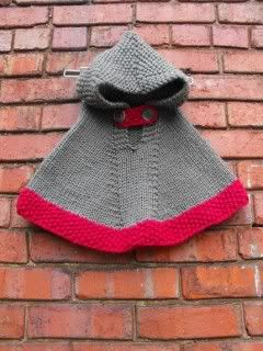 Handknit baby poncho } vintage baby revival --> when i have a baby girl i'm gonna make sure she and i have matching hoodie ponchos! @MarkApple Bantigue-Felipe