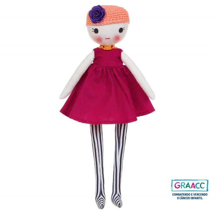 Vicky - Boneca de pano articulada Tacón Design Lúdico. Parte das vendas destinada ao Hospital GRAACC na ajuda do combate ao câncer infantil.