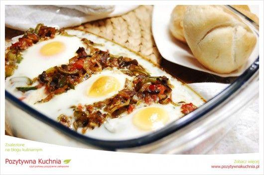 Zapiekanka jajeczna z podgrzybkami - #przepis na #obiad  http://pozytywnakuchnia.pl/zapiekanka-jajeczna-z-podgrzybkami/  #grzyby #jajka #zapiekanka