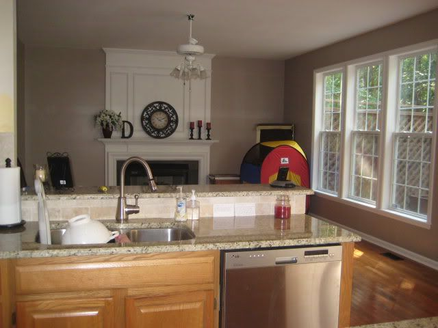 What Color To Paint My Kitchen Walls With Oak Cabinets