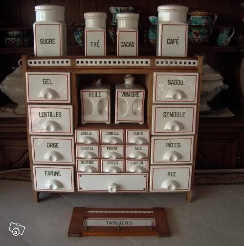 les 25 meilleures id es de la cat gorie tag res pices sur pinterest stockage d 39 pices de. Black Bedroom Furniture Sets. Home Design Ideas