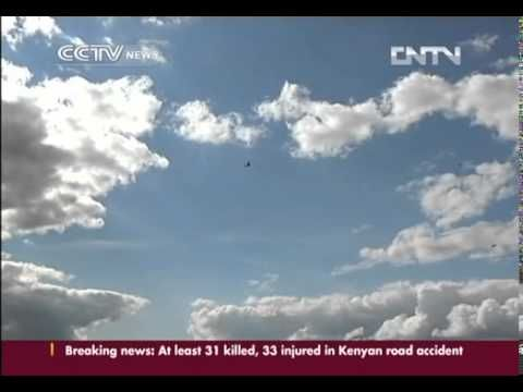▶ China's top aerobatic team to perform at MAKS 2013 airshow - YouTube