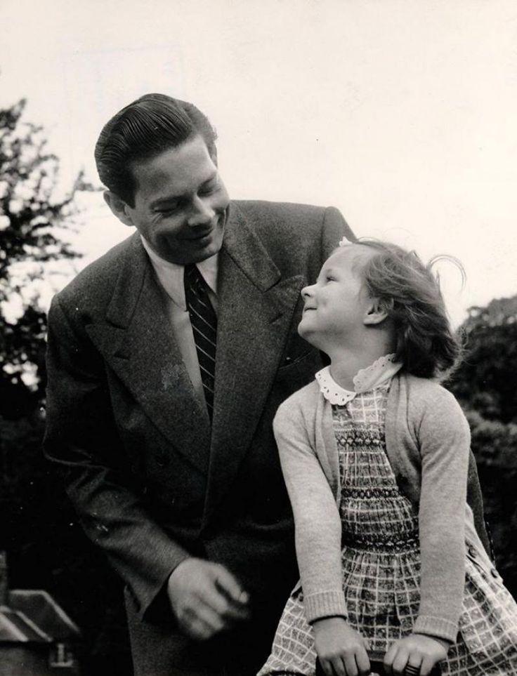 """""""Omul acesta a fost întotdeauna acolo, lângă mine. El este dintotdeauna alături de tine"""", scria în 2001 Principesa Margareta."""