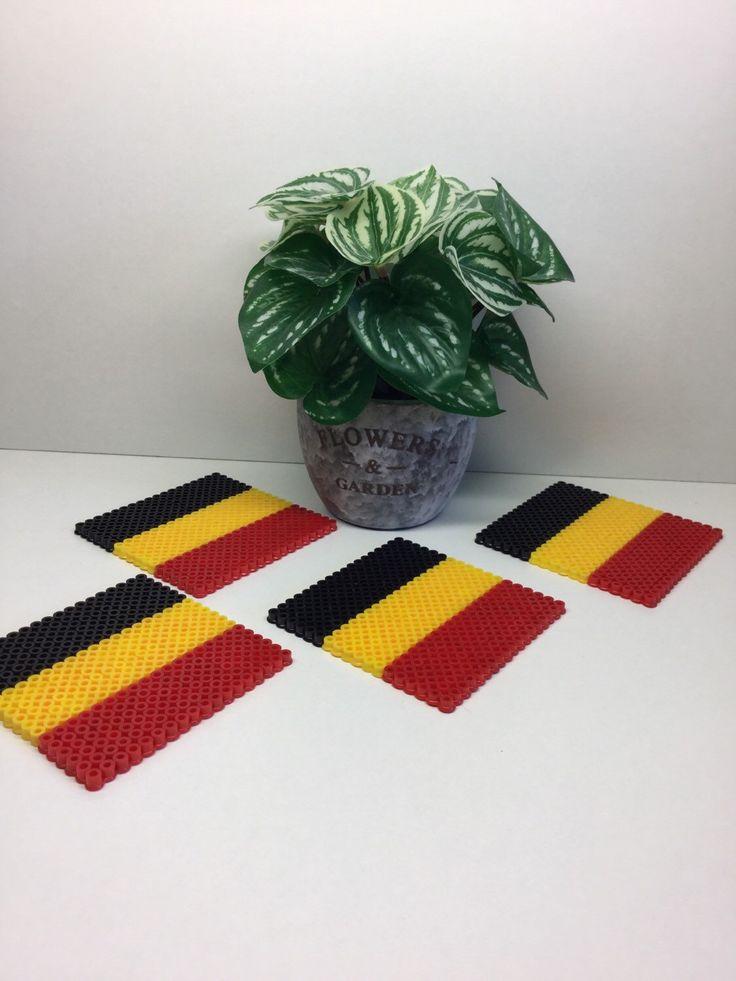 Drink coaster, Set van 4, België vlag, huis Deco, voetbal, tegel coaster, Hama kralen, Perler kralen, pixelart, bier Coaster, Man-Cave, cadeau door TCAshop op Etsy https://www.etsy.com/nl/listing/292633665/drink-coaster-set-van-4-belgie-vlag-huis