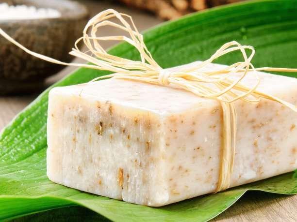 Τρεις συνταγές για φυσικά σαπούνια που θα κάνουν το ντους σας αξέχαστο... Για όσους προτιμούν τον απλό, παραδοσιακό τρόπο καθαρισμού με μπάρα σαπουνιού. Τρεις συνταγές για φυσικά σαπούνια που θα κάνουν το ντους σας αξέχαστο... Για όσους προτιμούν τον απλό, παραδοσιακό τρόπο καθαρισμού με μπάρα σαπο