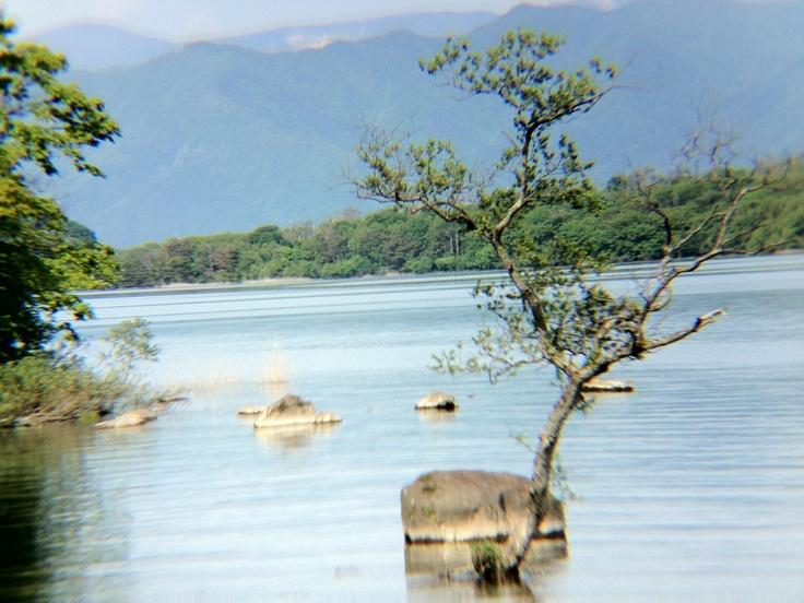 猪苗代湖(iPhoneに望遠を付けて撮りました) - 2012.06.02