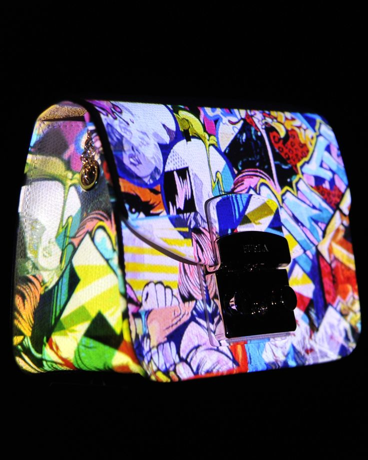 """Art and color. The """"Neo Pop"""" Furla SS2015 presentation event plays with those two elements. The project celebrates the features of the collection through a color-based set up inspired by action painting, abstractionism, as well as pop art."""