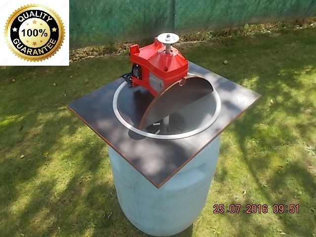 ELECTRIC GRAPE CRUSHER  it is a fast and powerful help ( 1800 Watts/2900ot./220 Volts ) for the gardeners. Can handle 200 kg of apples ( about 100mm ) for about 20-30min. It depends on the variety of fruit, whether they are hard or soft crust.