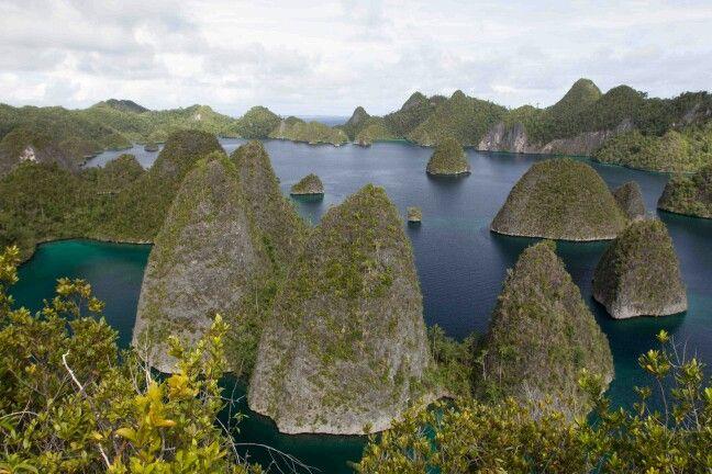 Pulau wayak ...pemandangan dari atas pualau wayang