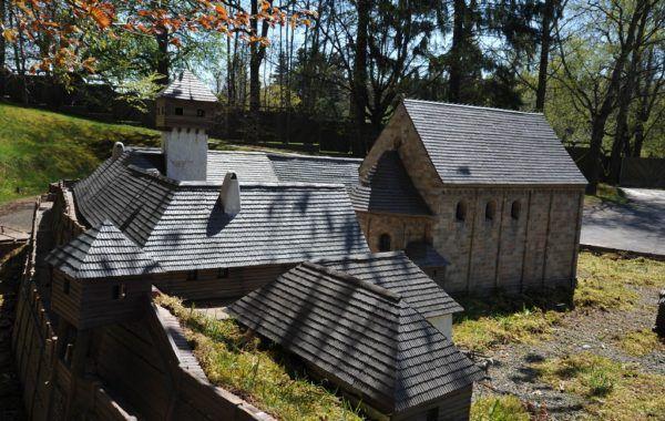 Hradiště Starý Plzenec Dalších 59 modelů českých památek čeká v Parku Boheminium. Skvělé místo pro výlet!