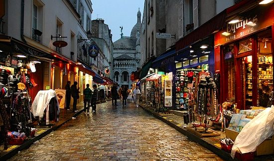 """""""Bonjour Paris"""", a nice little blog of Paris. This pic reminds me of my favorite area, Montmartre. I've spent many an evening walking up this street."""