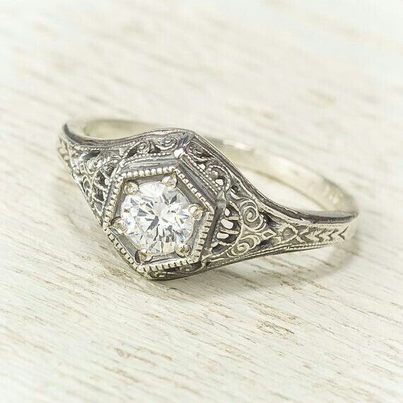 I love antique rings