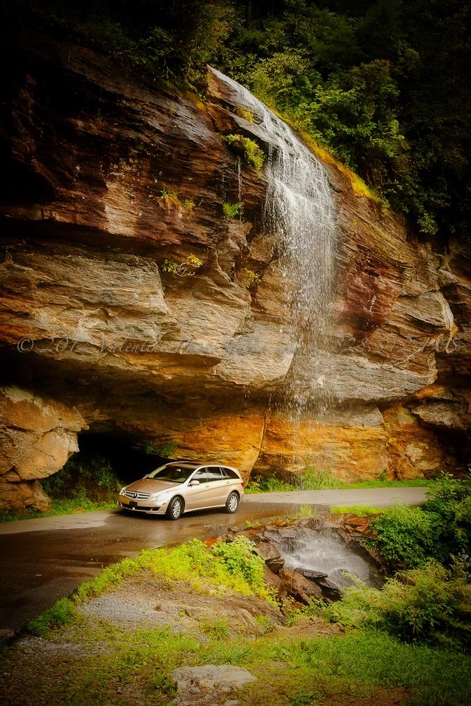 Bridal Veil Falls ~ Highlands NC   Waterfall Highway ~ Hwy ...