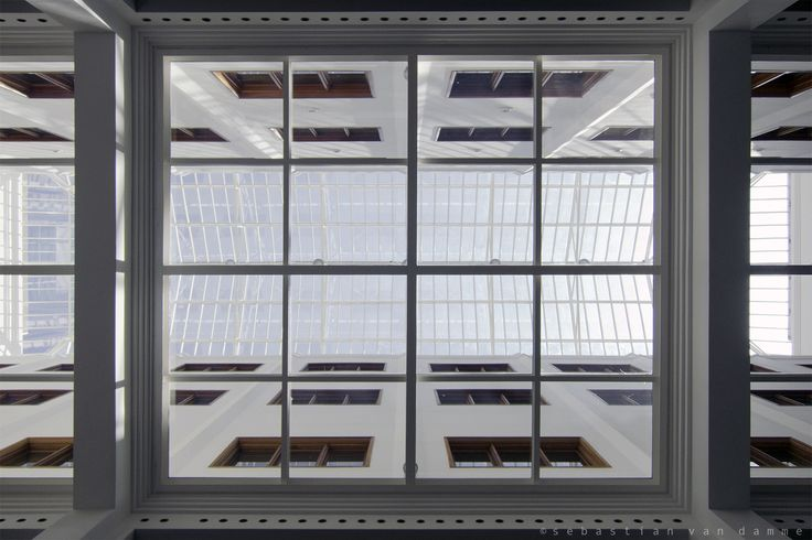Looking up at the atriumroof. Gemeentearchief De Bazel Amsterdam by Claus en Kaan Architecten. Pic by @svd_fotografie