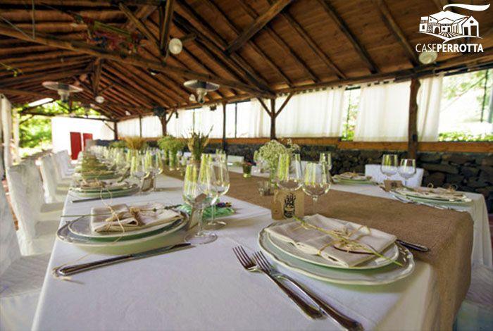 Allestimento gazebo per ricevimento nozze con tavolo imperiale