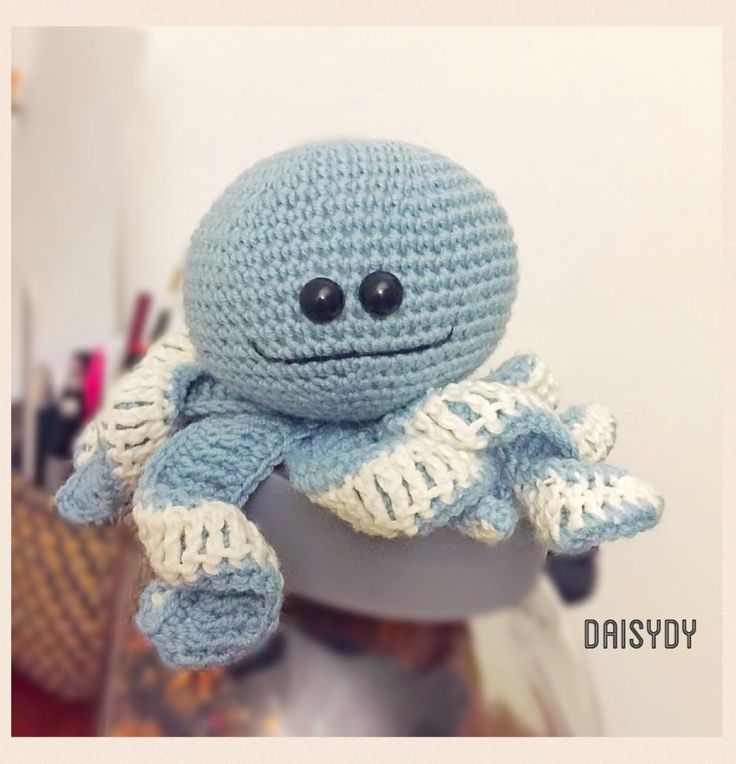 Woody the #Octopus  Pattern by http://www.thefriendlyredfox.com/2015/10/amigurummi-octoopus-baby-toy-free.html?m=1