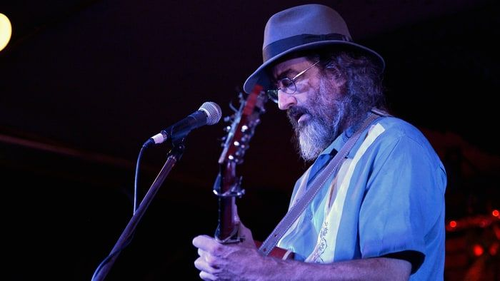 "Singer-songwriter James McMurtry has released the political song ""Remembrance"" as a free download."