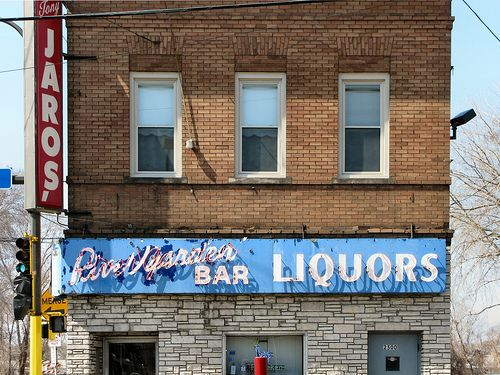 Introducing Minneapolis's 10 Most Iconic Dive Bars