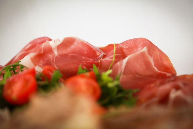 Prosciutto e bontà Ferretti con Insalatina di Rucola e Pachini - Particolare