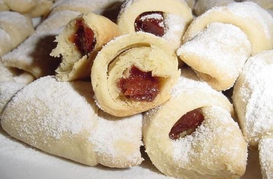 romanian food- cornulete fragede