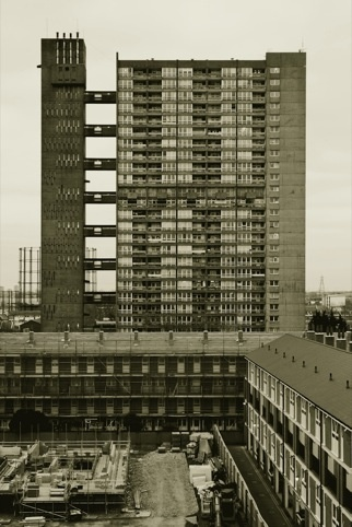 Bronfield estate,26-storey Balfron Tower by Ernő Goldfinger, in east London's Bromley-by-Bow was completed in 1965.
