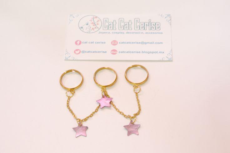 Anillo triple con estrellas en acabado tipo concha nácar y cadenas. Disponible en tienda. Comunícate conmigo vía Facebook :) #ring #anillo #jewelry #joyeria #star #estrella