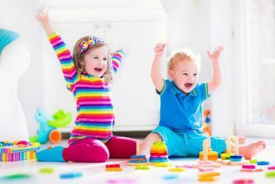 10 rodičovských rad, jak vychovat šťastné děti. Chytré a úspěšné dítě... ale hlavně šťastné! Jak ale neudělat botu ve výchově? Web LifeHack zmiňuje deset důležitých bodů, díky kterým z dítěte...