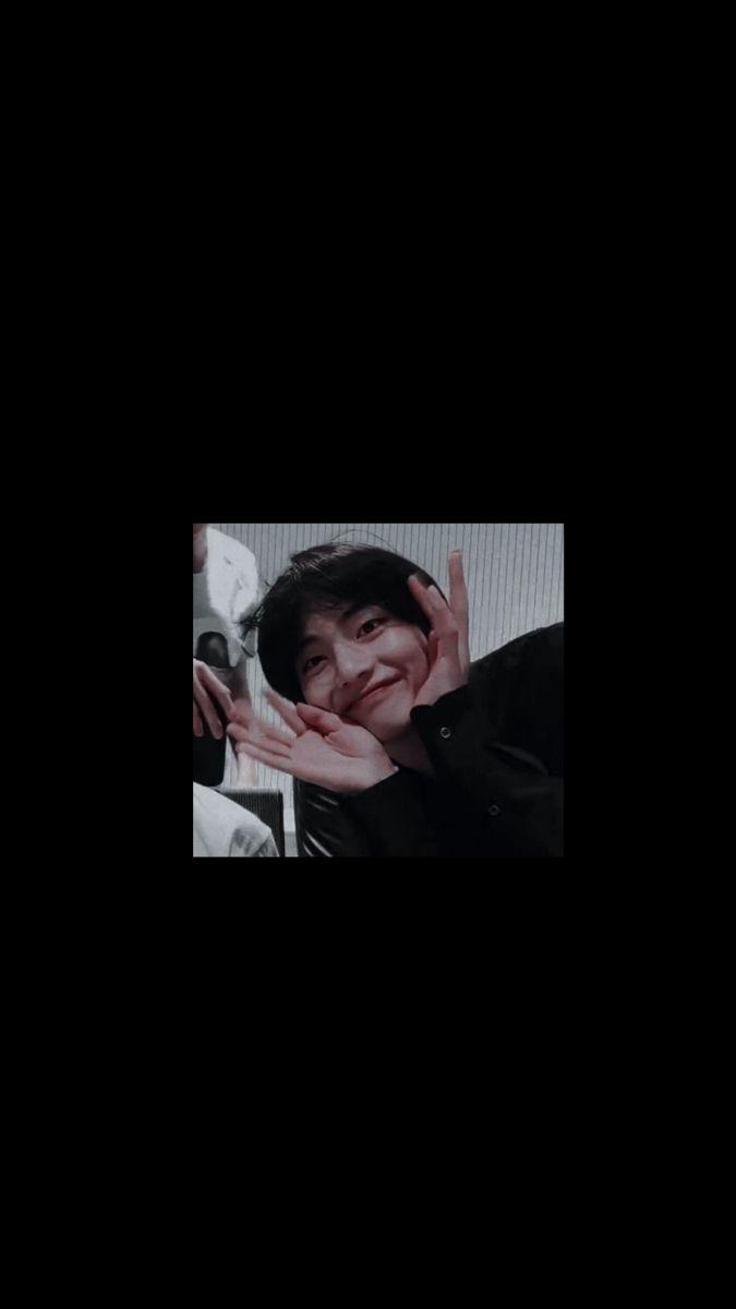 Taehyung Black Hair Wallpaper In 2020 Bts Wallpaper Kim Taehyung Wallpaper Bts Aesthetic Wallpaper For Phone