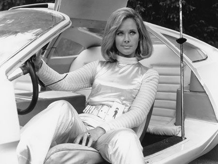 Gerry Anderson's UFO, featuring the lovely Wanda Ventham (Colonel Lake)