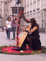 El Espíritu del Cristal: Magia en la Calle I: El Arpista de la Plaza de Oriente (Madrid)