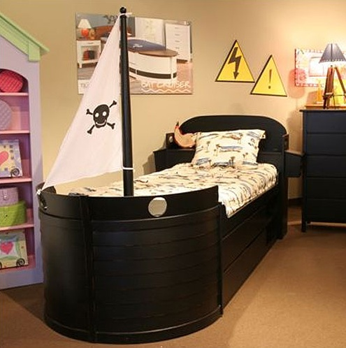 I Wanna Pirate Ship Bed!