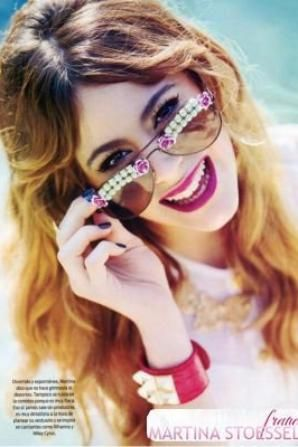 Photoshoot of Martina stoessel alias Violetta