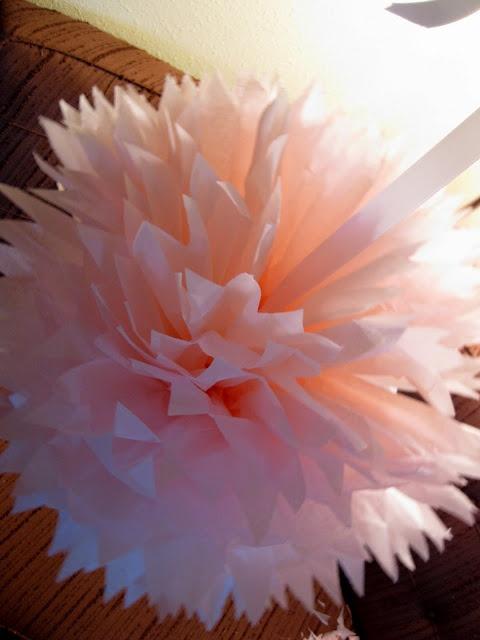 Tissue paper balls: Tutorials, Paper Pom Pom, Nurseries, Paper Mobiles, Tissue Paper Pom, Paper Balls, Tissue Paper Ball,  Anemones, Sea Anemone