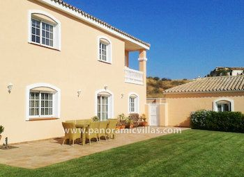 5 Bed Villa, Mijas Costa - Sleeps 10