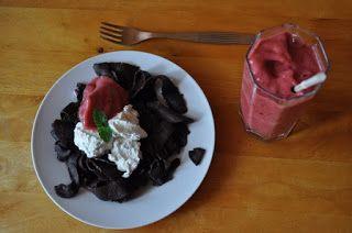 Między Niebem, a Kuchnią...: Domowy makaron czekoladowy