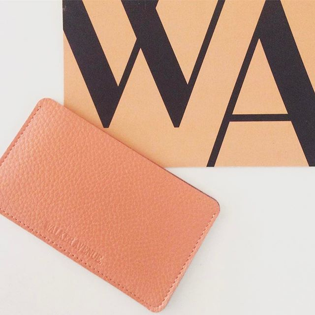 #HIGHWAY is a pretty clever little #cardholder / #businesscard holder! Holds up to 8 credit cards, the other day I put in a few cards a couple of notes and my #iPhone #earbuds. #ReadySetGo 🏁 www.walkeravenue.com.au 👌🏻