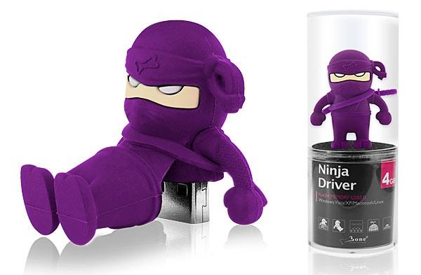 Divertida llave USB con forma de guerrero ninja