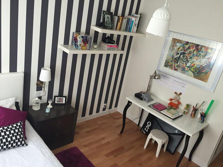 Habitación blanca y negra