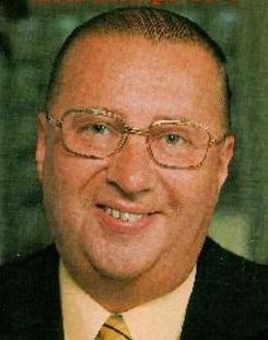 Kees Schilperoort (November 28, 1917 - December 25, 1999) Dutch presenter and radio dj. Mijn moeder was fan van Raden maar!