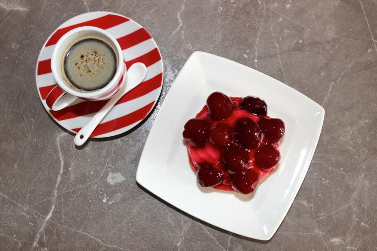 #black #coffee #strawberry #cake #lovely #afternoon #with #friend