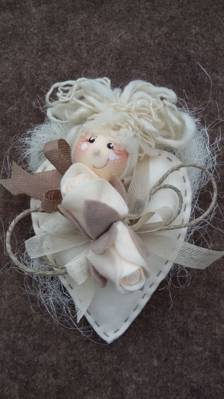 """Ho realizzatocon grande soddisfazionele bellissime creazionidelle """"Pigottine di Vanda""""una serie di bambole di cui mi sono letteralmente invaghita.Ogni qual volta ne realizzo una mi…"""