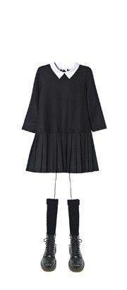 Black dress with peter pan collar. Bonpoint Winter 2013.