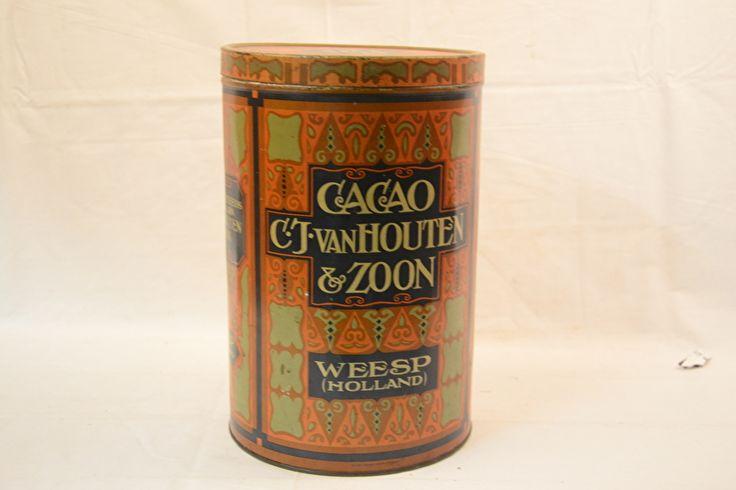 C.J. van Houten cacao blik (34cm)