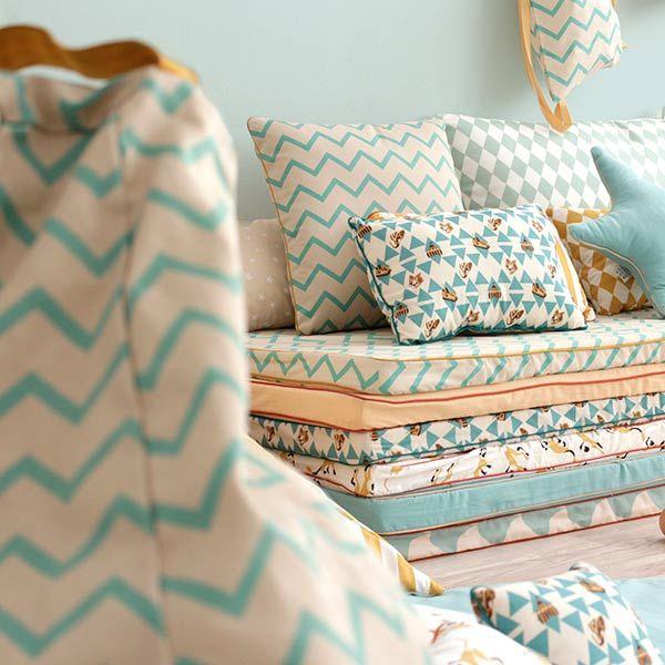 les 25 meilleures id es de la cat gorie poufs poires sur. Black Bedroom Furniture Sets. Home Design Ideas