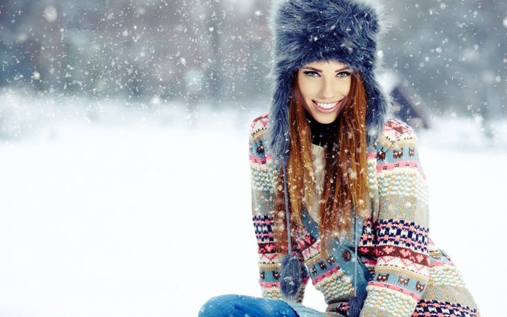 Fashion Girl Woman Smile Snow Winter Snowflakes HD Wallpaper | FreeHDWall.Com | Free HD Wallpapers for your Desktop