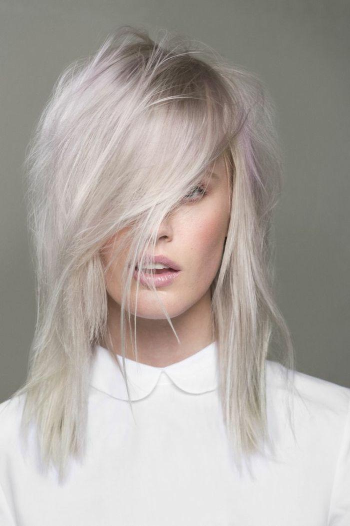 Silber-Pastelle Haare kurzer Haarschnitt