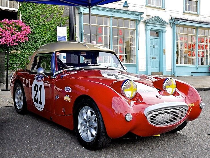 Photo of an immaculate looking Austin-Healey, taken at Bury St Edmunds Racing Car Show 2010.