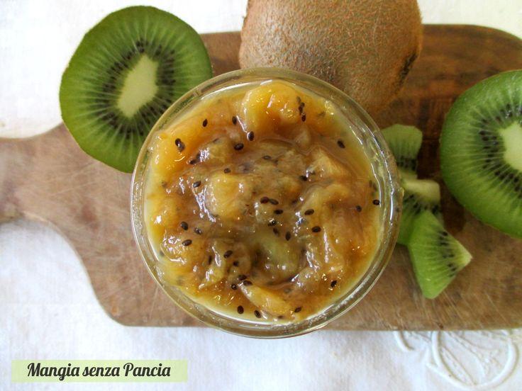 La composta di kiwi al limone è squisita, molto semplice da preparare e con poco zucchero. Dolce e aspra allo stesso tempo: un sapore dal contrasto perfetto